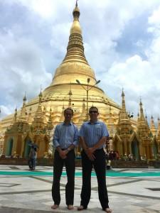 YT-Kai at Schwedigon Pagoda Yangon-Aug6-1